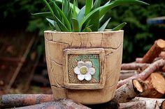 velký květináč-jarní-ihned skladem Pottery Clay, Slab Pottery, Clay Flower Pots, Clay Wall Art, Horn, Planter Pots, Candy, Ceramics, Ornaments