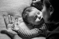 #mom #son #blackandwhite #love #kiss #baby #bacio #neonato #mamma #figlio #photo #monicapallonifotografa