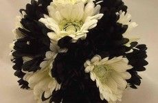 diy_ideas_for_black_and_white_wedding_flowers-230x150.jpg (230×150)