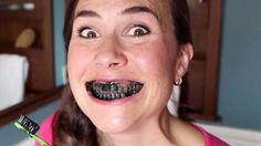 L'astuce au charbon actif pour avoir des dents blanches