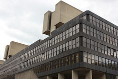 Institute of Education, Bedford Way. Architect: Sir Denys Lasdun. 1979, London. Mies influence integrated.