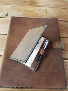 Leather Projects, Corporate Gifts, Hand Stitching, Wallet, Promotional Giveaways, Purses, Diy Wallet, Purse