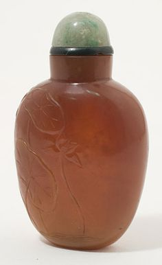 19th century caramel colored nephrite jade snuff bottle