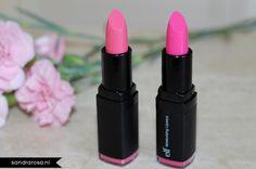 #82633 Pink Minx & #82636 Flirty en Fabulous http://www.eyeslipsface.nl/product-beauty/hydraterende-lippenstift#