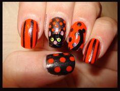 Meow! Halloween black cat manicure