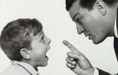 5 phrases à ne jamais prononcer quand vous parlez à votre enfant !