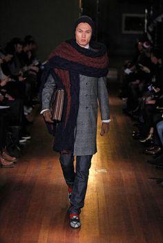 Michael Bastian Fall 2014 Menswear (scarf)