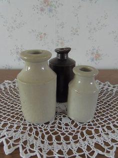 Drie oude Engelse kruikjes. www.brocantespulletjes.nl