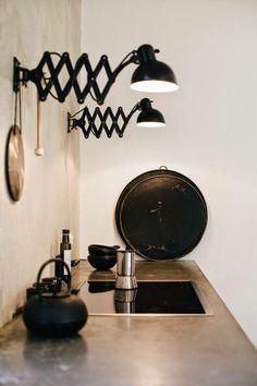 Stoere schaarlampen in de keuken