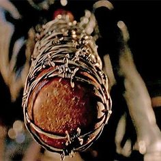 Hot: The Walking Dead finale preview clip shows first images of Negan ... and Lucille