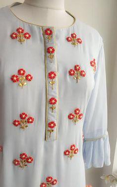 Embroidery Suits Punjabi, Kurti Embroidery Design, Embroidery Neck Designs, Embroidery On Kurtis, Embroidery Dress, Salwar Neck Designs, Kurta Neck Design, Dress Neck Designs, Kurta Designs