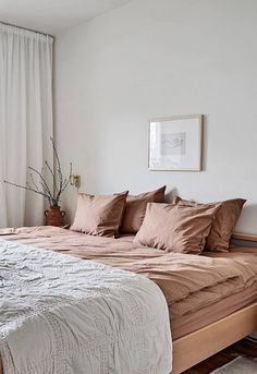 Love the bedding - not quite taupe, not quite pink