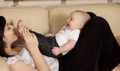 Sık bakıcı değiştirmek güven duygusunu zedeliyor - Bebeklik döneminde sevgi dolu yaklaşım oldukça önemli! http://www.hurriyetaile.com/bebek/bebek-psikolojisi/sik-bakici-degistirmek-guven-duygusunu-zedeliyor_8996.html