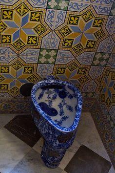 Bathroom in Palau Güell Art Nouveau, Art Deco, Antonio Gaudi, Barcelona Catalonia, Barcelona Travel, Art And Architecture, Spain, Decoration, Inspiration