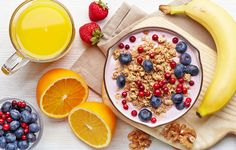 When it comes to nutrition, your body craves routine. Eat breakfast every day. It's the healthy choice. Skipping breakfast is not an option! Healthy Breakfast For Weight Loss, Health Breakfast, Healthy Breakfast Recipes, Best Breakfast, Breakfast Ideas, Nutritious Breakfast, Yogurt Breakfast, Nutritious Snacks, Breakfast Cereal