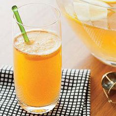 Entertaining a big crowd? This spicy Sparkling Cinnamon Punch serves 20 and has a little something for everybody in it! #cocktail