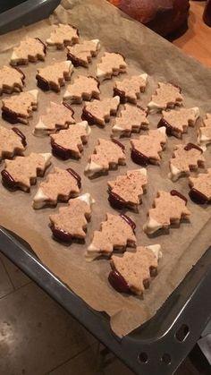 Weihnachtsplätzchen: Verschneite Nougat-Tannen von Sabrini.suessundsalzig auf www.rezeptwelt.de, der Thermomix ® Community