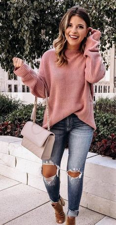Trendy Fall Outfits To Shop ASAP red sweater and distressed faded blue jeans. Trendy Fall Outfits, Casual Summer Outfits, Fall Winter Outfits, Autumn Winter Fashion, Cute Outfits, Winter Dresses, Jeans Outfits, Casual Winter, Mode Rihanna
