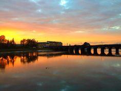 Gorgeous sunset over the Long Bridge, Barnstaple, north Devon Beautiful Sunset, Beautiful Places, Visit Devon, Homes England, South West Coast Path, Pretty Pictures, Pretty Pics, Devon And Cornwall, North Devon