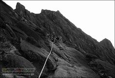The last part of the ascent to Low's Peak is really tough! Ropes are tethered to the cracks and grooves along the very steep mountainside with steel cables to assist climbers. Mount Kinabalu, Sea Level, Borneo, Ropes, Climbers, Natural World, Mount Everest, Exotic, Vacation