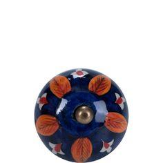 OPEN Möbelknopf rund Ornament    Mit den Open-Möbelknöpfen verwandeln Sie Schränke und Kommoden im Handumdrehen in individuelle Wohnobjekte. Einfach auswählen, was Ihnen gefällt und zu Ihren persönlichen Stil passt, und Ihren Lieblingsknopf an Türen, Fächern und Schubladen gegen den vorhandenen Möbelknopf austauschen. Tipp: Für den Vintage-Look und einzigartige Stylings kombinieren Sie verschie...