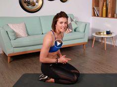 Notre coach forme et bien-être Julie Ferrez nous propose une série de postures pour sculpter les abdominaux.
