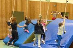 Afbeeldingsresultaat voor kinderturnen bewegungslandschaften