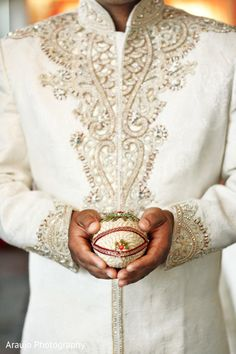 Check out Indian wedding reception couple images and other photos and videos in our gallery. Get inspired for your special day with Maharani Weddings Desi Wedding, Wedding Men, Wedding Suits, Wedding Attire, Punjabi Wedding, Farm Wedding, Wedding Couples, Boho Wedding, Wedding Reception