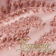 -Vestido Vainilla- Asiste a tus fiestas más importantes con este vestido corto, color palo de rosa con bordados y detalles elaborados en brillantes de murano. http://www.elretirobogota.com/esp/?dt_portfolio=especia