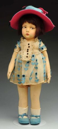 Lot # : 52 - Stunning Lenci Doll.
