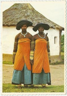 https://flic.kr/p/hbvKNR | Xhosa Women | The Xhosa are part of the South African Nguni migration which slowly moved south from the region around the Great Lakes, displacing the original Khoisan hunter gatherers of Southern Africa. Xhosa peoples were well established by the time of the Dutch arrival in the mid-17th century, and occupied much of eastern South Africa from the Fish River to land inhabited by Zulu-speakers south of the modern city of Durban