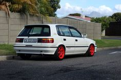 Bloody-Mary Volvo 240, Hatchbacks, Ae86, Bloody Mary, Toyota Corolla, Jdm, Dream Cars, Technology, Vehicles