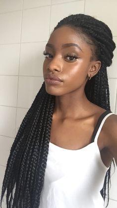 fckyeahprettyafricans:  UgandaRwandashadiobrando:  blackpocahuntus:  sleek glow  angel!