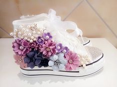 Flowers Cut Out Dirty Casual Shoes For Women Canvas Shoes High Top Summer Shoes Girls Female Flat Shoes Zapatos Bling Bling, Bling Shoes, Women's Shoes, Shoes Style, Baby Girl Shoes, Girls Shoes, Ladies Shoes, Diy Fashion, Fashion Shoes