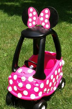Minnie Mouse Car--This will be prefect! Minnie Mouse Car, Minnie Mouse 1st Birthday, Baby Birthday, 1st Birthday Parties, Birthday Ideas, Cozy Coupe Makeover, Little Tykes, Mini Mouse, Mouse Parties