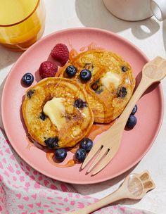 Blueberry-Yogurt Pancakes Yogurt Pancakes, Pancakes And Waffles, Blueberry Pancakes, Breakfast Pancakes, Breakfast Casserole, Brunch Recipes, Breakfast Recipes, Breakfast Ideas, French Toast Waffles