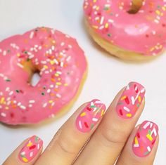 Obsessed with this donut inspired mani by @karengnails!