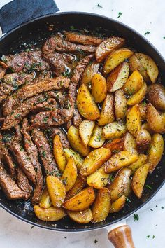 Garlic Butter Steak and Potatoes Skillet - This easy one-pan recipe is SO simple, and SO flavorful. The best steak and potatoes you'll ever have! # Easy Recipes dinner Garlic Butter Steak and Potatoes Skillet Beef Recipes, Cooking Recipes, Healthy Recipes, Healthy Salads, Healthy Dinners, Minute Steak Recipes, Healthy Foods, Vegetarian Recipes, Cooking Corn