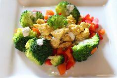 Kuch.com.pl: SAŁATKA Z KURCZAKIEM W SEZAMIE Broccoli, Vegetables, Food, Essen, Vegetable Recipes, Meals, Yemek, Veggies, Eten