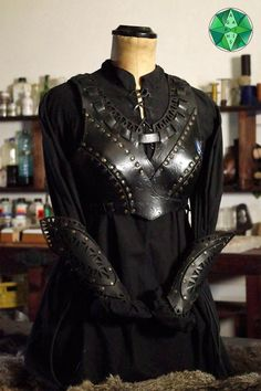 Leather Armor, Leather And Lace, Narnia, Female Armor, Fantasy Costumes, Character Outfits, Cosplay, Looks Cool, Hobbit