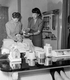 A facial treatment room from the New York Dorothy Gray salon from the 1950s.