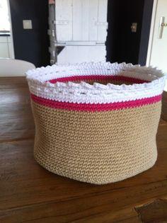 Basket - Free crochet pattern