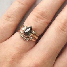 Eye drop ring