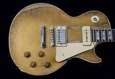 Vintage Les Paul with the best of both worlds. Gibson Les Paul, Gibson Lp, Gibson Guitars, Fender Guitars, Guitar Pics, Music Guitar, Cool Guitar, Acoustic Guitar, Black Les Paul