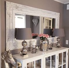 Long mirror, lamps, use antique plate and creamer set Living Dining Combo, New Living Room, Home And Living, Living Room Decor, Sideboard Decor, Interior Decorating, Interior Design, Dining Room Design, Home Furniture