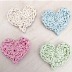 ❁ ✦ ハートモチーフ♡ ✦ ミータングさんの図案です #ハンドメイド#handmade #手作り #かぎ針編み#crochet #crochetlove  #モチーフ#ハート#シンプル#ナチュラル #メルカリ#メルカリ出品中