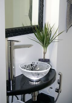 Glass as a material can be adapted to multiple uses in interior design. All our products can be provided with a unique pattern. Custom Glass, Basin, Your Design, Art Pieces, Photograph, Interior Design, Mirror, Bathroom, Unique