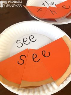 You're going to love these Kindergarten Thanksgiving activities! Your students will work on sight words, counting, and even create pumpkin pie in a cup! {Grab your FREE recording sheet!} While these are great for Kinders, your preschool, and gra Thanksgiving Activities For Kindergarten, Thanksgiving Preschool, Kindergarten Centers, Thanksgiving Parties, Autumn Activities, Preschool Activities, Literacy Centers, Fall Preschool, Kindergarten Lessons