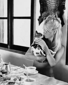 Brigitte Bardot, she has done a lot for animals. Brigitte Bardot, she has done a lot for anim. Bridgitte Bardot, Divas, Bardot Animal, Celebrities With Cats, Celebrities Fashion, Fashion Women, Animal Activist, Actrices Hollywood, French Actress