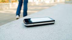 Kysymys: Kadotin puhelimeni. Mitä apukeinoja voin käyttää sen etsimisessä? Riippuen puhelinmallista, on erinäisiä mahdollisuuksia, joilla pystyy helpottamaan puhelimen paikantamista. Yleinen edellytys näiden toimintojen käyttöön on kuitenkin se, että laite on … Jatka lukemista